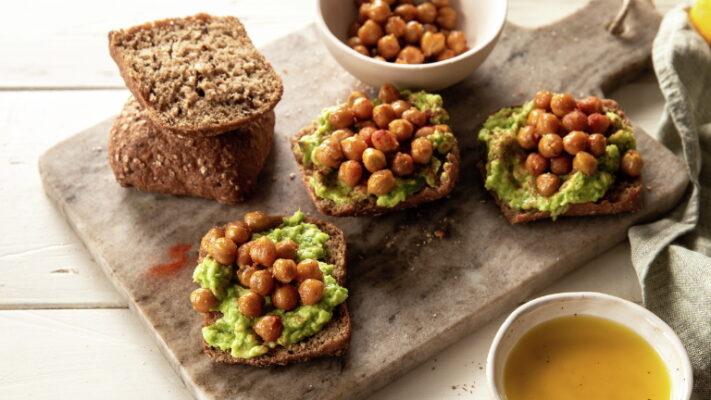 Ψωμί με Αβοκάντο & ρεβύθια